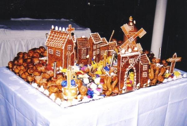 Titanic en gâteaux et chocolat - Page 2 Chatea10