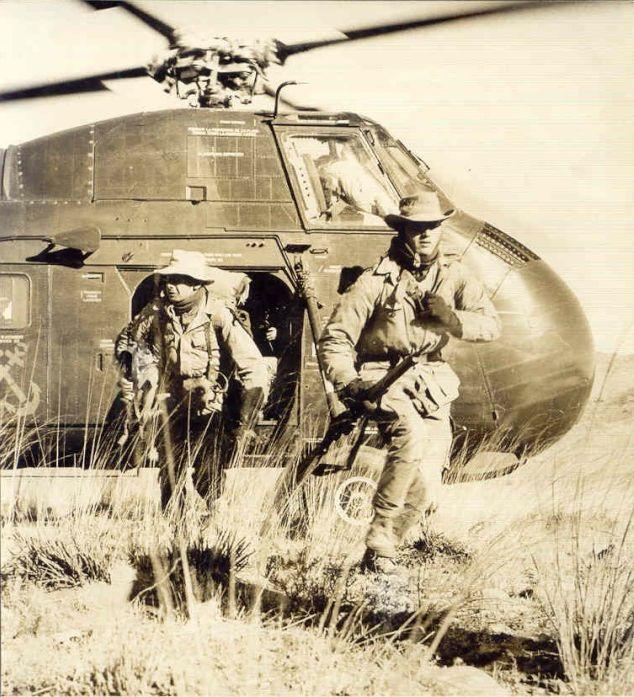 [Aéro divers] Le GHAN-1 (31F, 32F et 33F) en Algérie... - Page 4 Evacu_10