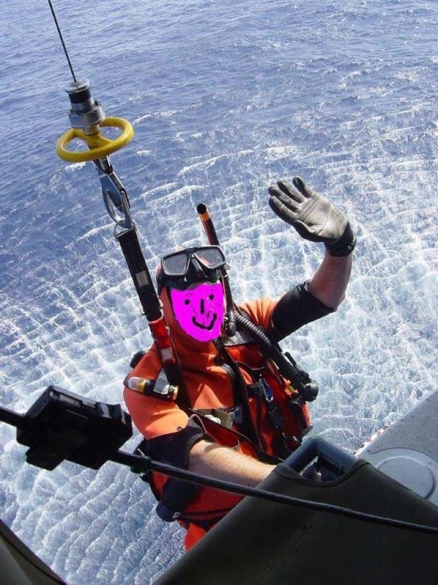 [Aéronavale divers] Insigne de plongeur hélicoptère - Page 2 Pl21010