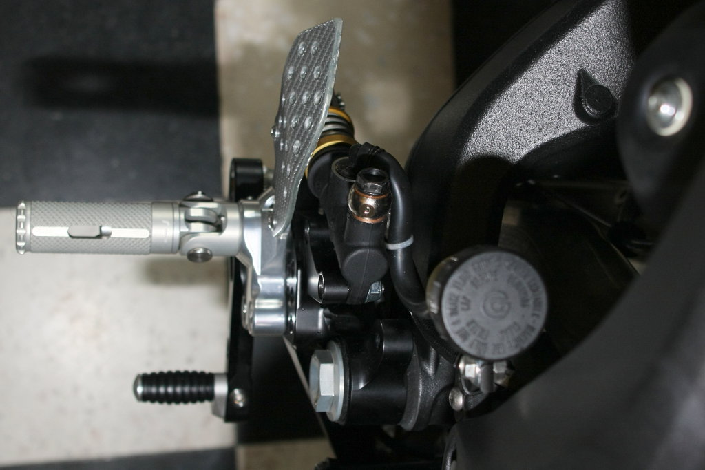 Commandes reculées (CNC, Valtermoto, Rizoma, WRS, Ducabike, Woodcraft, Gilles Tooling, ...) - Page 3 Comman14