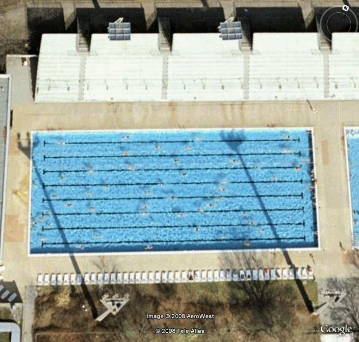 Les piscines du Monde découvertes avec Google Earth - Page 8 A_pisc10