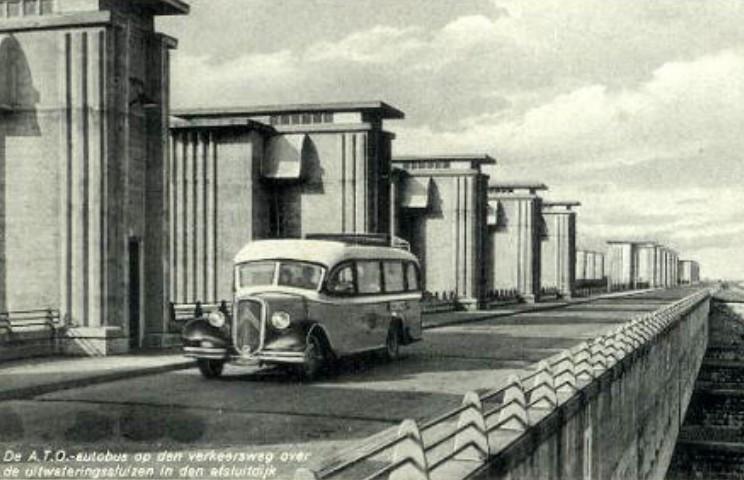 Photos d'autobus et autocars Citroën - Page 2 Citroe19