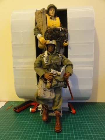 Collection stephan WWII para / medical / GI/ Smoke jumper/red skull Dsc03324