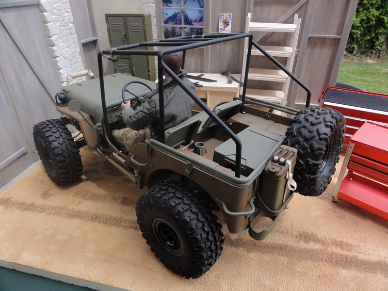 vends garage jeep et willys au 1/6 Dsc05823
