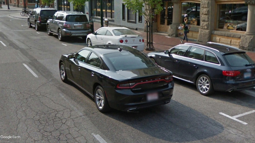 STREET VIEW : belles voitures (Monde) - Page 42 Charge11