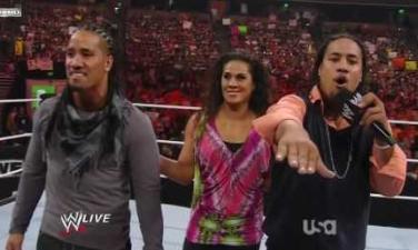 Article: Le Jour et la Nuit : comparatif des divisions Tag Team WWE/TNA Usos10