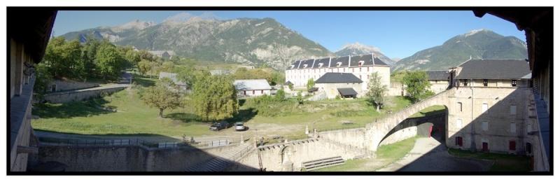 La Route des Grandes Alpes - Page 18 Pano_110