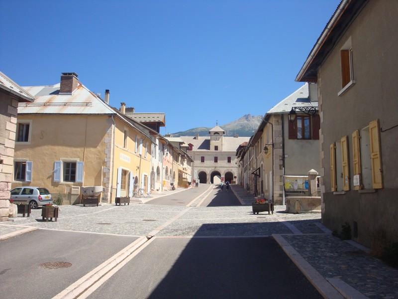 La Route des Grandes Alpes - Page 18 Sans_t34