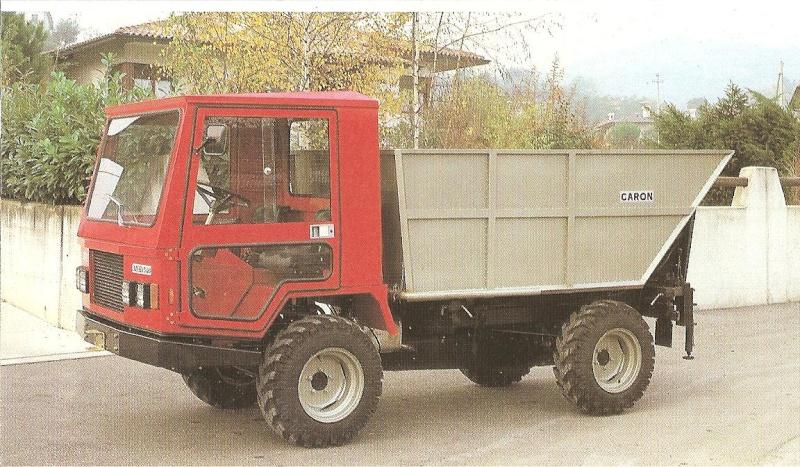 Petits tracteurs 4 roues motrices Les_tr24