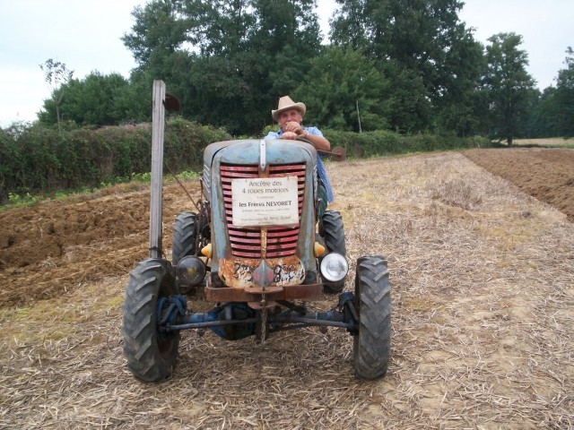 Des CITROËN transformées en tracteur.... - Page 2 Nevore10