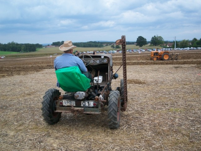 Des CITROËN transformées en tracteur.... - Page 2 Nevore11