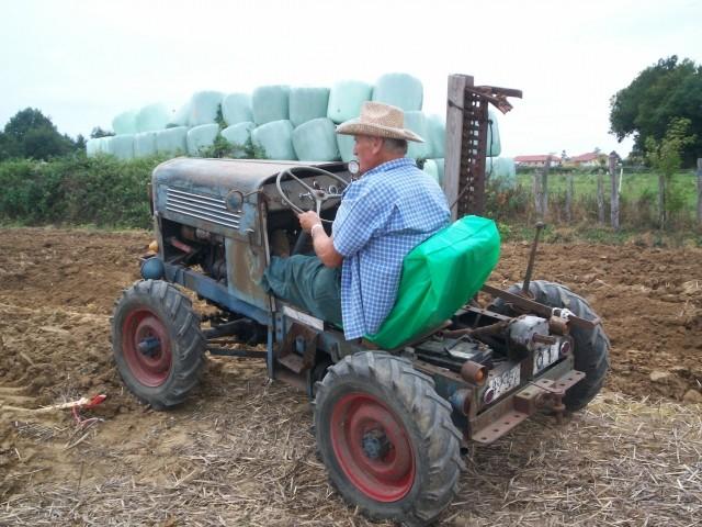 Des CITROËN transformées en tracteur.... - Page 2 Nevore12
