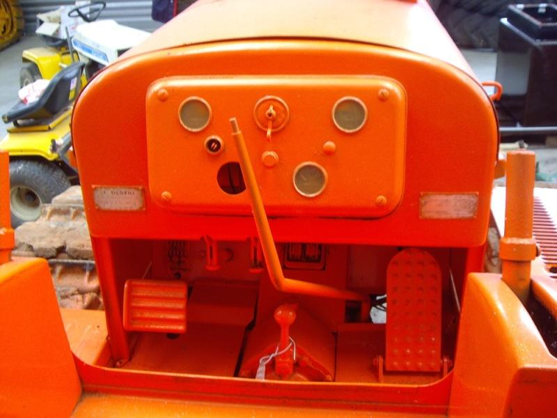 Tracteur LW de la Licorne : photos du seul rescapé connu Tracte85