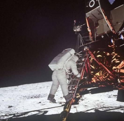 "LA ""CONQUISTA"" DE LA LUNA Apolo_10"