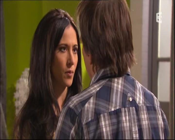 Episode du Mardi 31 Mai 2011 - Page 2 20112217