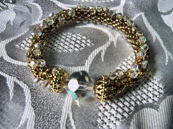 Perle et crochet Bracel10