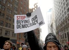 El capitalismo NO es democracia P024_f28