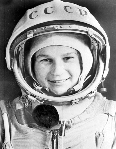 La première femme cosmonaute russe fête les 45 ans de son vol dans l'espace 0212
