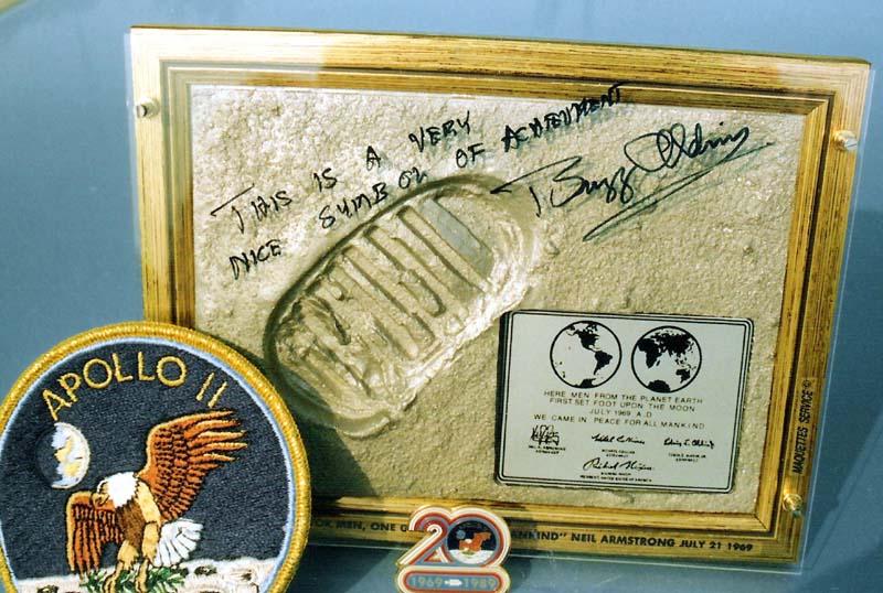 20 Juillet 1969 / Il y a 39 ans, l'homme marchait sur la Lune Dedica12