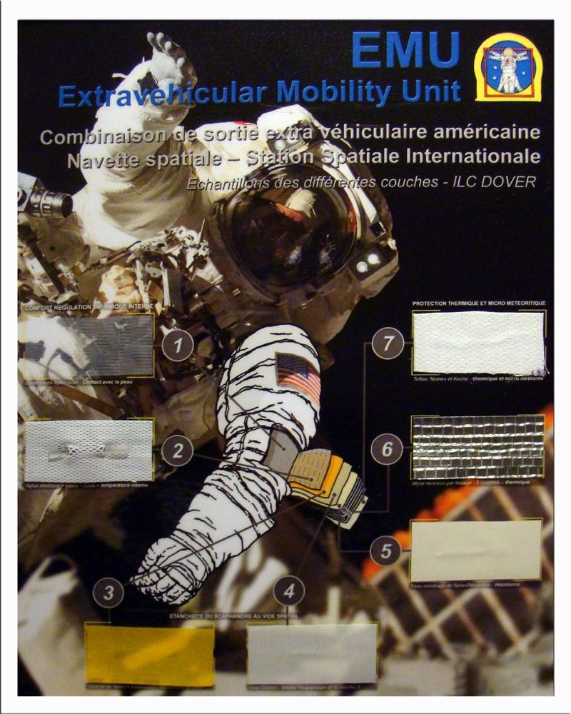 Cadre avec Echantillons scaphandre EMU - NASA Termin13