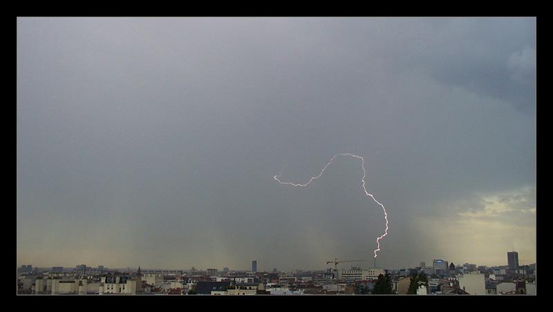 Impact de foudre sur la Tour Eiffel P1100712