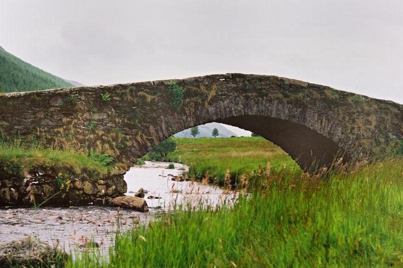 Vieux ponts de pierre en Ecosse 58367710