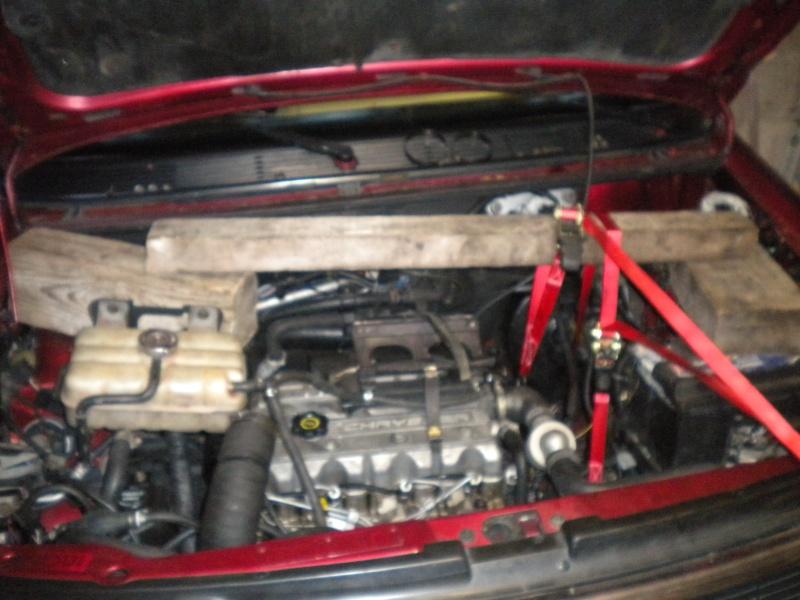 Soutenir le moteur pour changer les supports Suport11