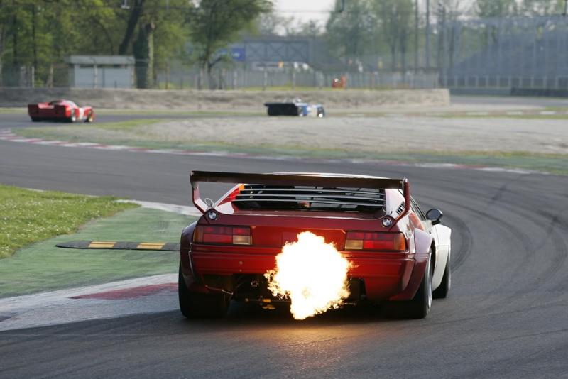 Voitures qui crache des flammes !!!! - Page 11 M1fire10
