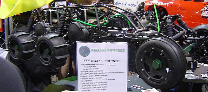 Hpi baja 6 x 4 Bi-motor Dsc02814