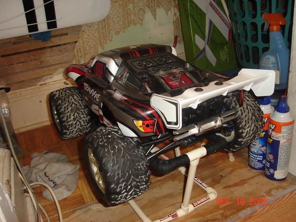 Carro Slayer sur Revo Dsc04513