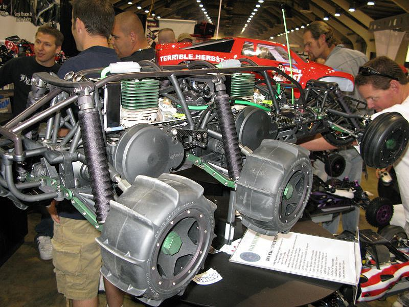 Hpi baja 6 x 4 Bi-motor Pictur17