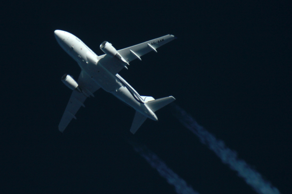 Oradea - aeronave in zbor - Pagina 38 A6-aam11