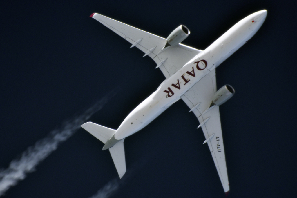 Oradea - aeronave in zbor - Pagina 38 A7-alu12