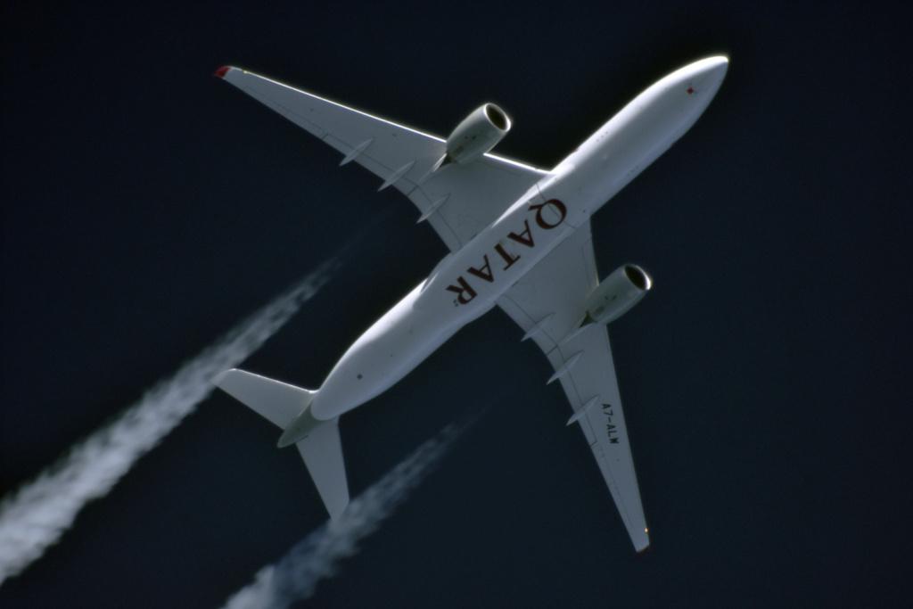Oradea - aeronave in zbor - Pagina 38 A7-alw11
