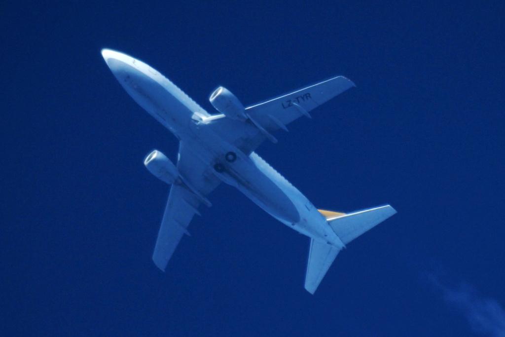 Oradea - aeronave in zbor - Pagina 38 Lz-tyr10