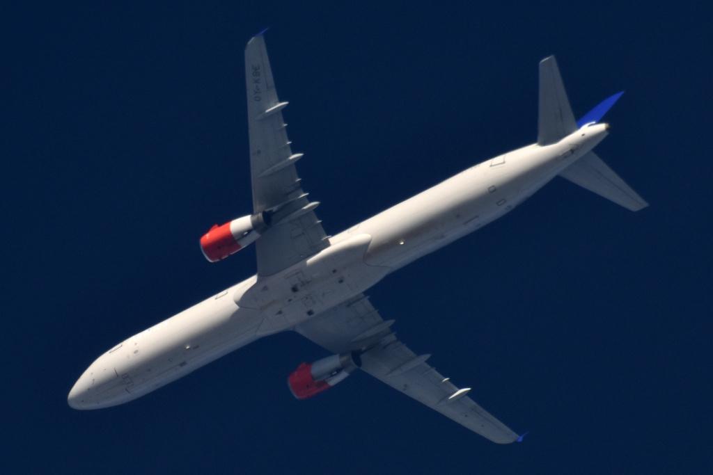 Oradea - aeronave in zbor - Pagina 38 Oy-kbe10