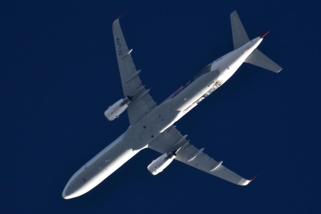 Oradea - aeronave in zbor - Pagina 38 Tc-jtp10