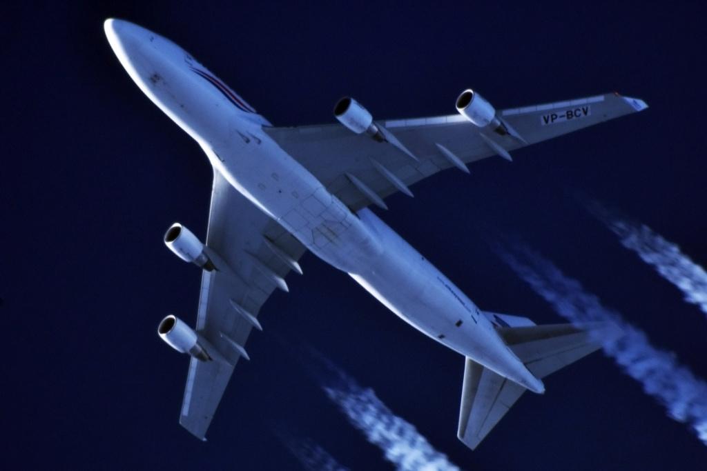 Oradea - aeronave in zbor - Pagina 38 Vp-bcv11