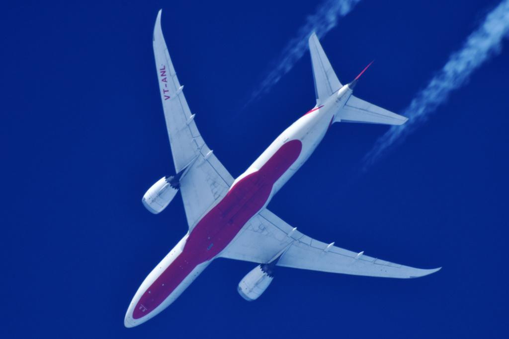 Oradea - aeronave in zbor - Pagina 38 Vt-anl11