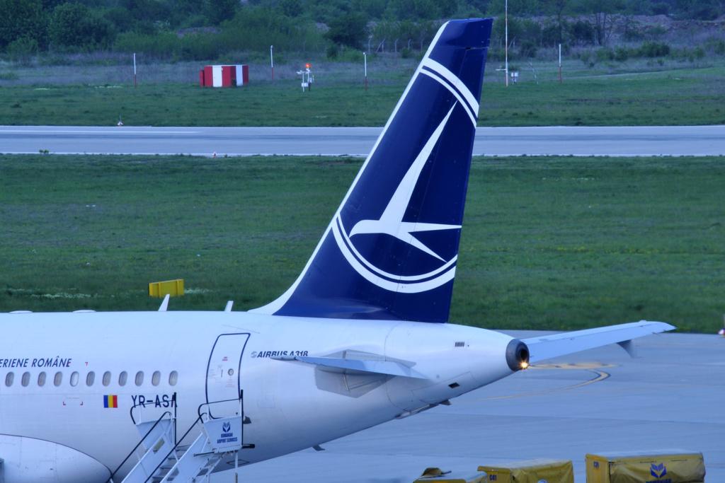 Aeroportul Oradea - Aprilie 2019 Yr-asa12