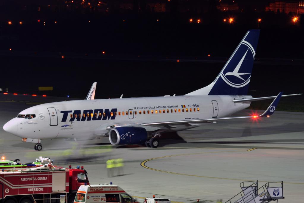 Aeroportul Oradea - Aprilie 2019 Yr-bgh10