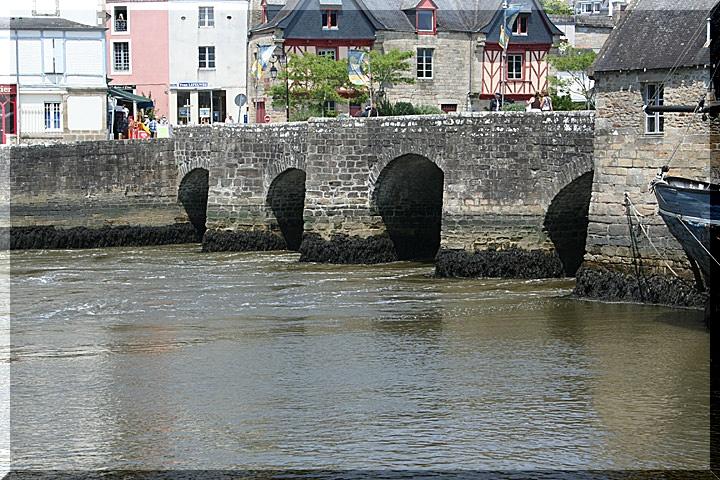 Sur le port de Saint Goustan a Auray 0138