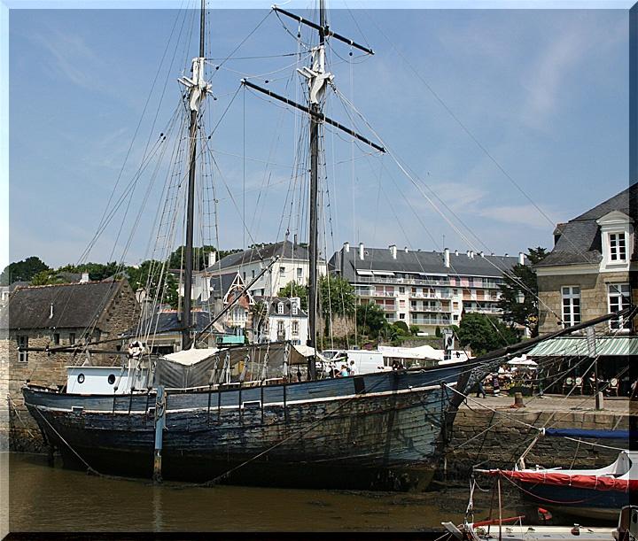 Sur le port de Saint Goustan a Auray 0232