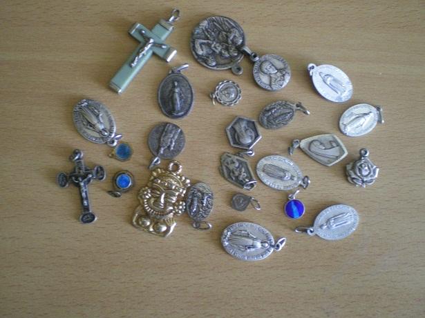 la boursée d'objet religieux Imgp3410