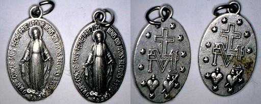 2 Médailles Miraculeuses de la rue du Bac  Marie10