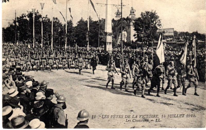 Lundi 14 juillet 1919 - Page 2 Img30310