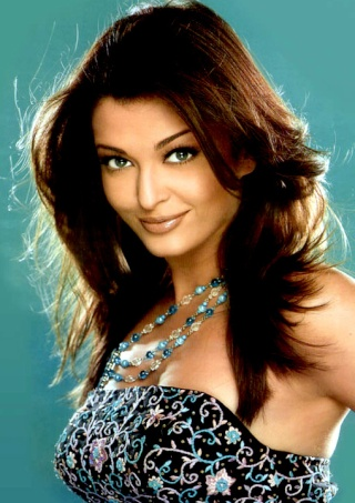 Its official - Aishwarya in Robot Aishwa10