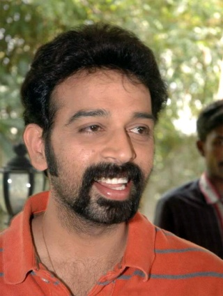 J.D.Chakravarthy as Robot Villian Chakra10
