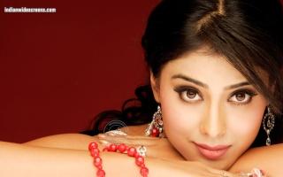 Who wants to be Shriya's mom?? Shreya10