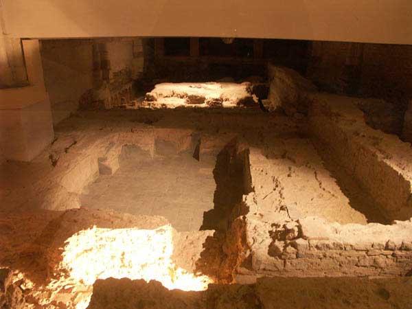 Le Site Archéologique et les Monuments de Jublains Termes10